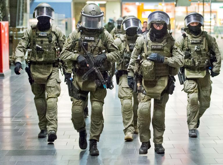 Weitere Unterstützung für neue Anti-Terror-Einheit (© 2015 AFP)
