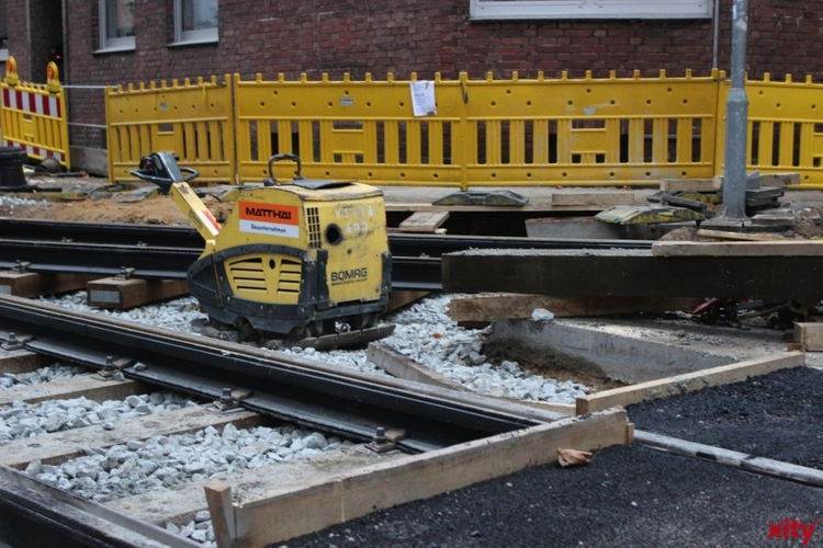 Wegen Gleisbauarbeiten wird die Erkrather Straße zwischen Albertstraße und Kettwiger Straße gesperrt (xity-Foto: P.I.)