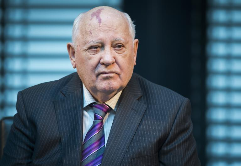 Linke: Gorbatschow soll Ukraine-Konferenz einberufen (© 2015 AFP)