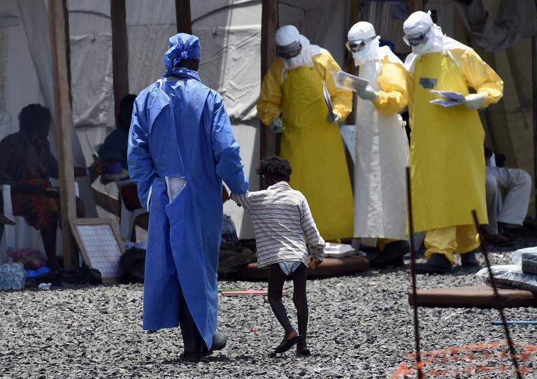 Tests mit möglichem Ebola-Impfstoff vielversprechend (© 2015 AFP)