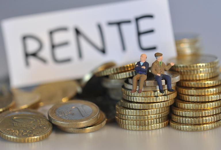 Rente mit 63 untergräbt Beschäftigungsziel der Regierung (© 2015 AFP)