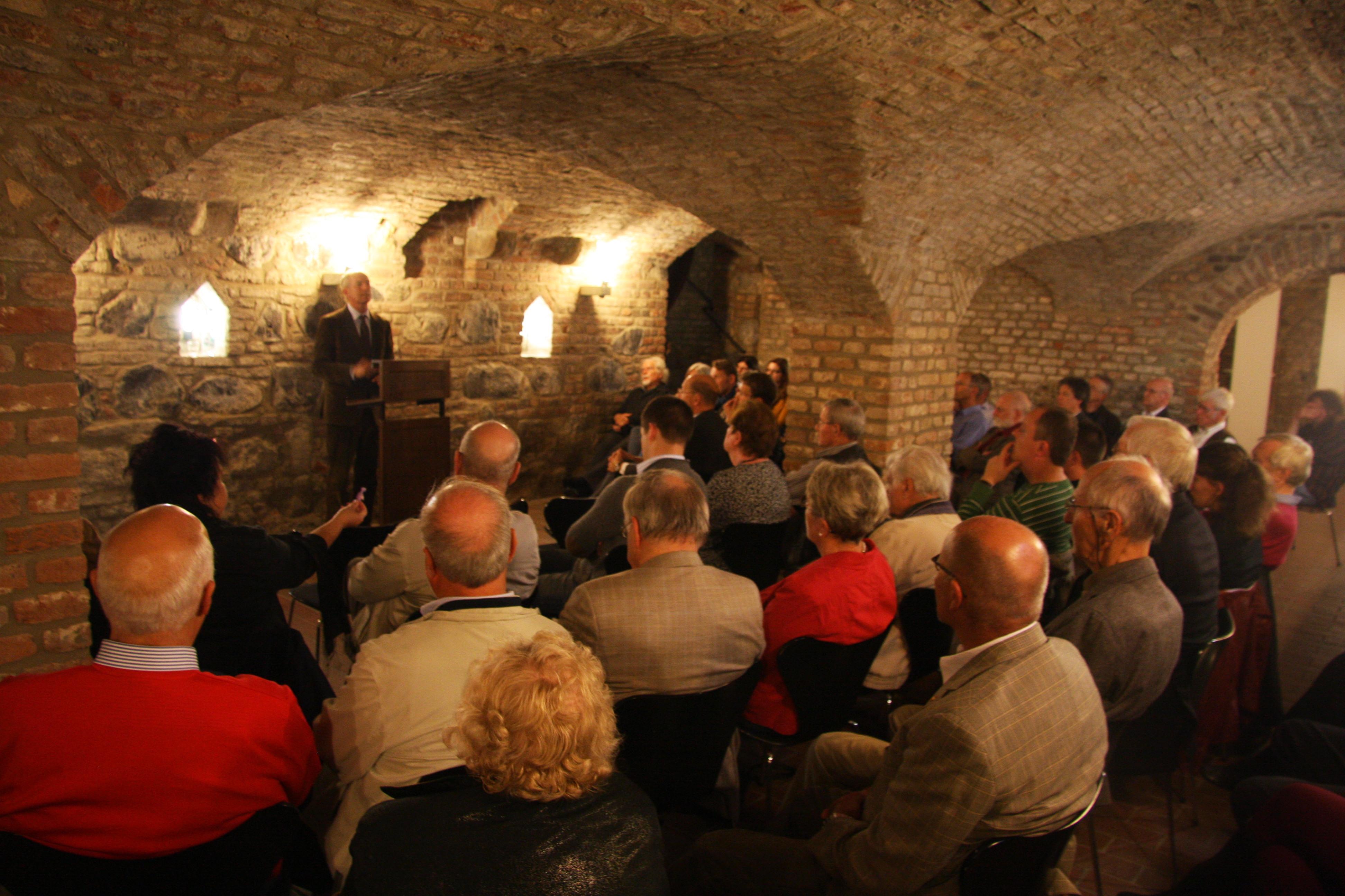 Geschichte im Gewölbekeller unter der Nordhalle von Burg Friedestrom in Dormagen-Zons. (Foto: Rhein-Kreis Neuss)