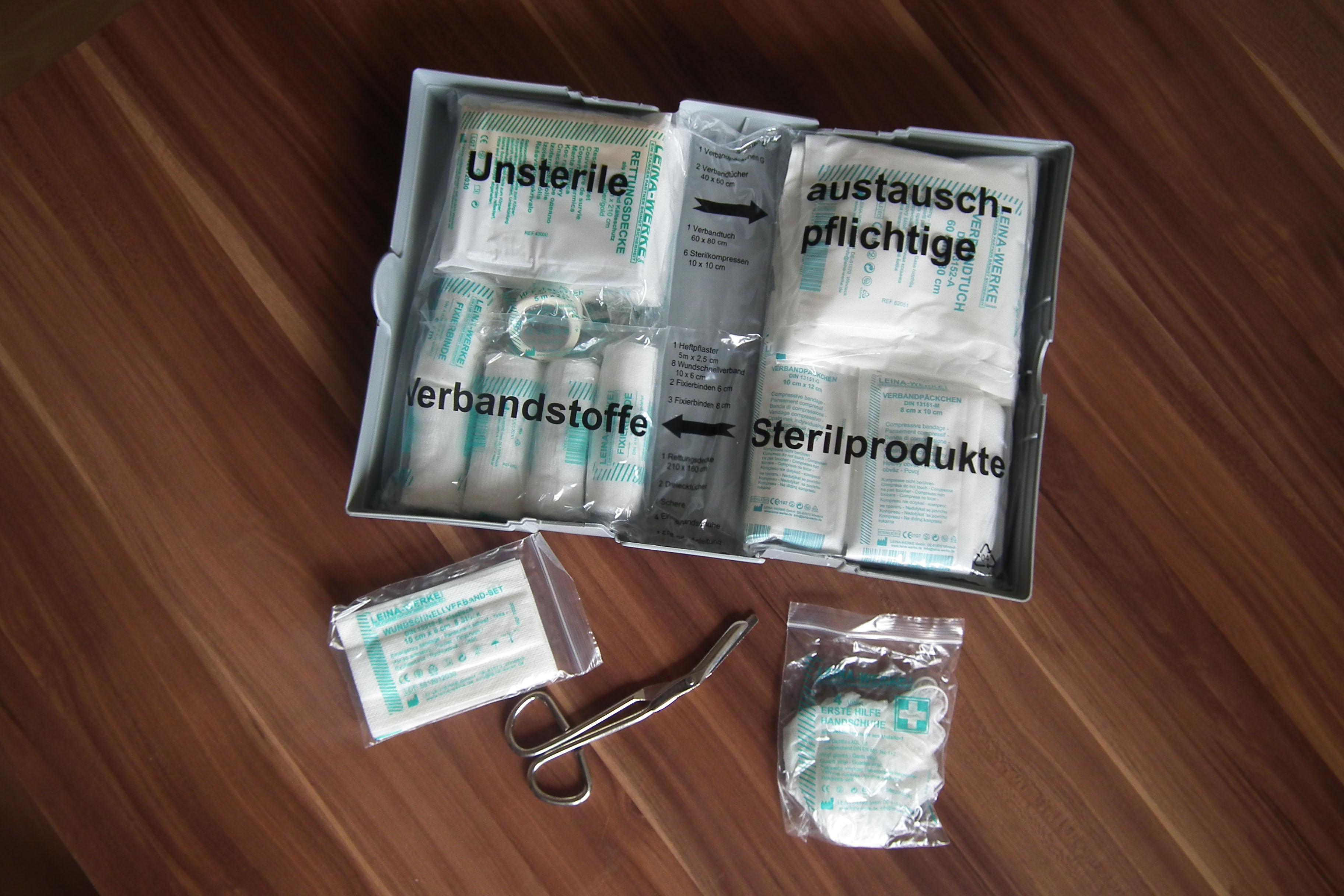 Verfallsdatum alter Verbandskästen beachten (xity-Foto: D. Postert)