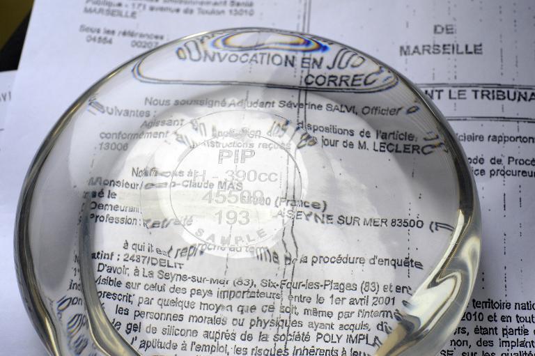 EuGH soll Haftung für PIP-Brustimplantate klären (© 2015 AFP)