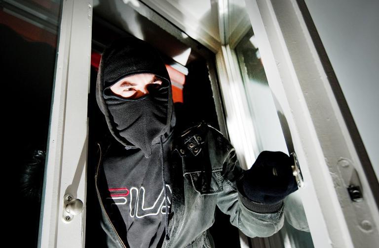 Große Koalition will Maßnahmen gegen Einbrecher fördern (© 2015 AFP)