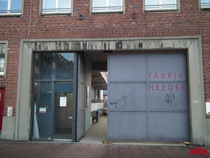 "Kresch präsentiert ""Um die Ecke"" in der Fabrik Heeder (xity-Foto: E. Aslanidou)"