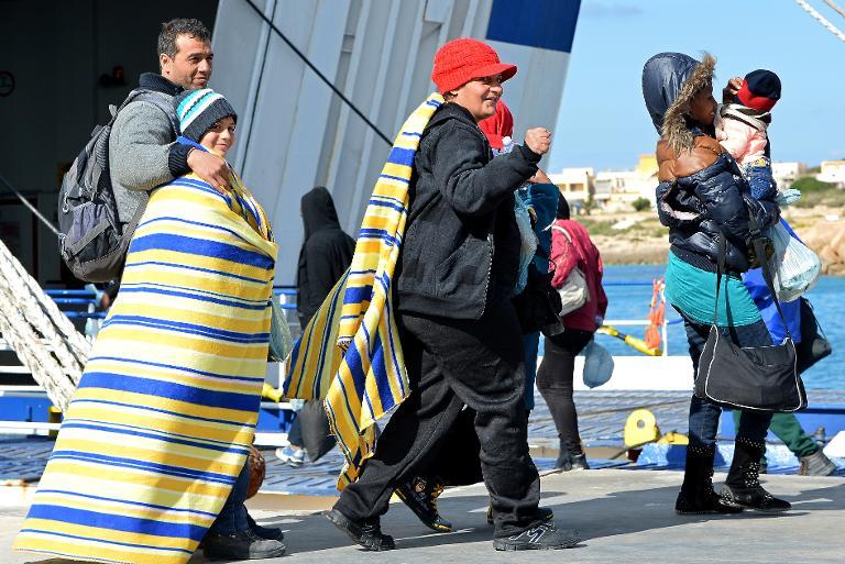Forderung nach Seenotrettungsprogramm für Flüchtlinge (© 2015 AFP)