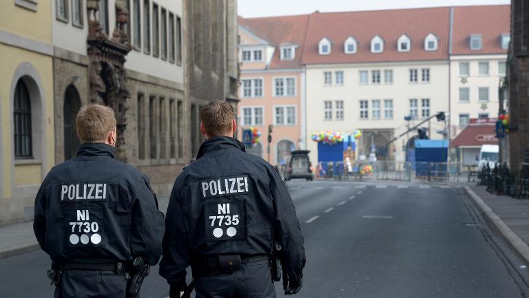 Ermittlungen zu Terrorverdacht bei Karnevalszug beendet (© 2015 AFP)