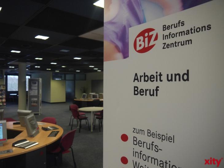 Über berufliche Chancen und Möglichkeiten bei der Bundeswehr können sich junge Frauen und Männer im BiZ der Agentur für Arbeit Düsseldorf informieren (Foto: xity)