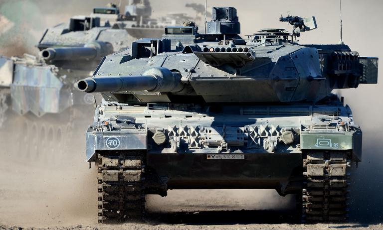 Von der Leyen will neuen Kampfpanzer entwickeln lassen (© 2015 AFP)