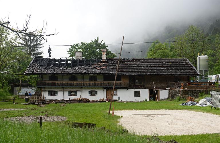 Ermittlungen nach Großbrand mit sechs Toten in Bayern (© 2015 AFP)