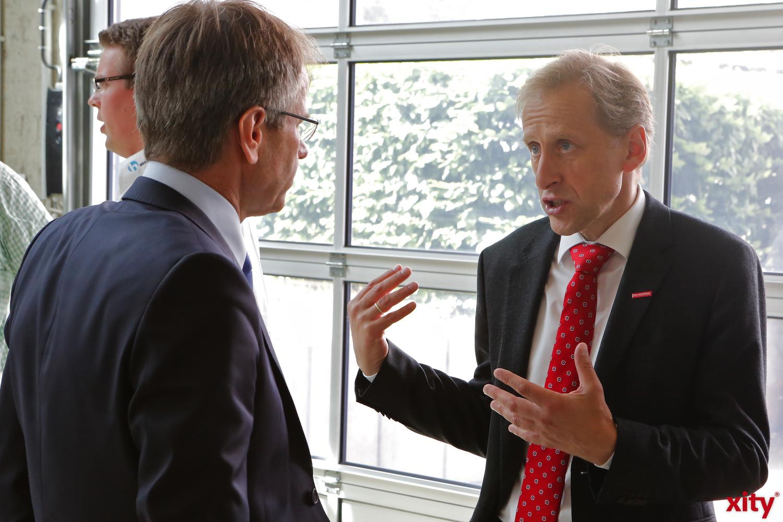 Andreas Ehlert, (l.l) im Gespräch mit Dr. Axel Fuhrmann (Foto: xity)