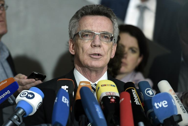 De Maizière: Vorratsdatengesetz wird Klagen standhalten (© 2015 AFP)