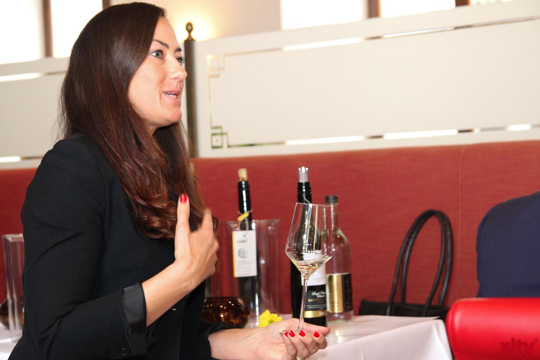 Beim Weintasting gab es viele Hintergurndinformationen (Foto: xity)