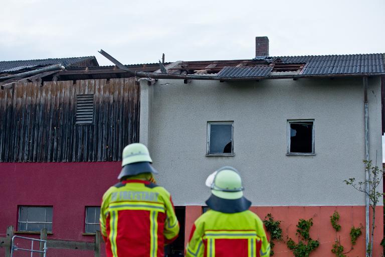 Windhose richtet in Oberpfalz erhebliche Schäden an (© 2015 AFP)