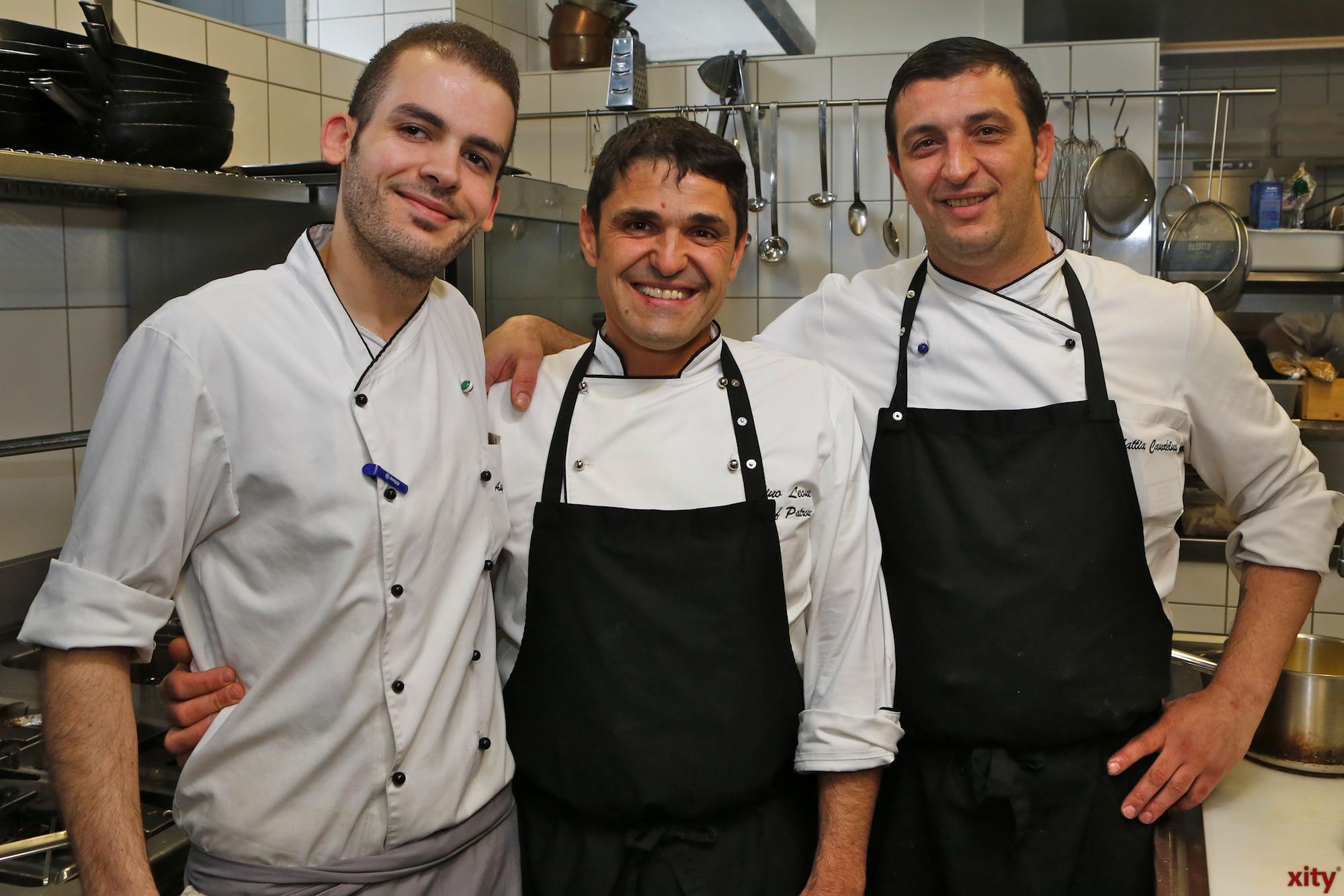 Das Küchenteam um Gino Leone (m.) (Foto: xity)