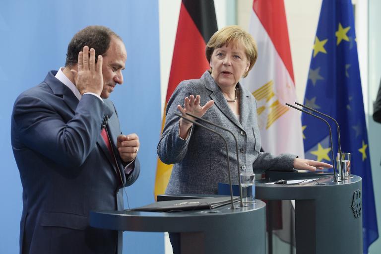 Merkel kritisiert al-Sisi für Todesurteile in Ägypten (© 2015 AFP)