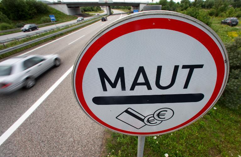 Bundespräsident Gauck unterzeichnet Gesetze zur Pkw-Maut (© 2015 AFP)
