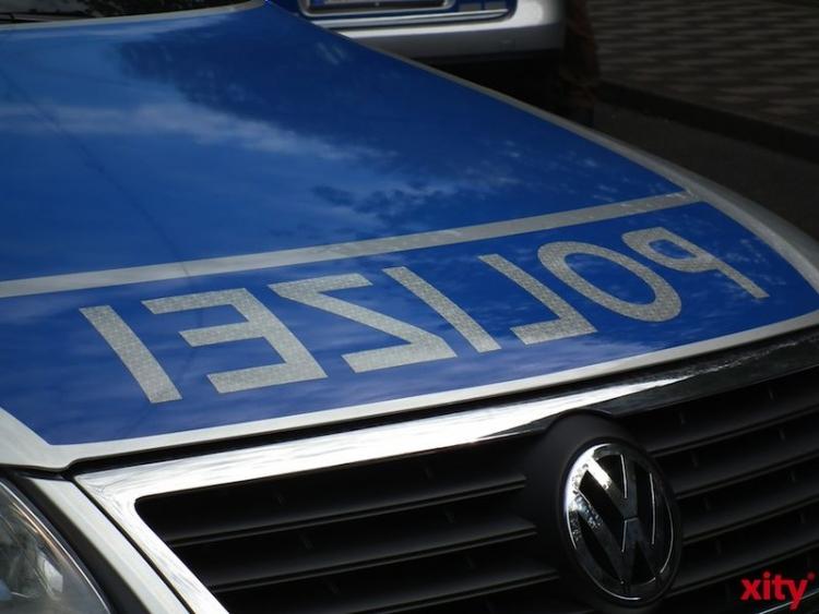 Wegen des Verdachts der Verkehrsunfallflucht und Trunkenheit im Straßenverkehr ermittelt die Polizei gegen einen 50-jährigen Düsseldorfer (Foto: xity)
