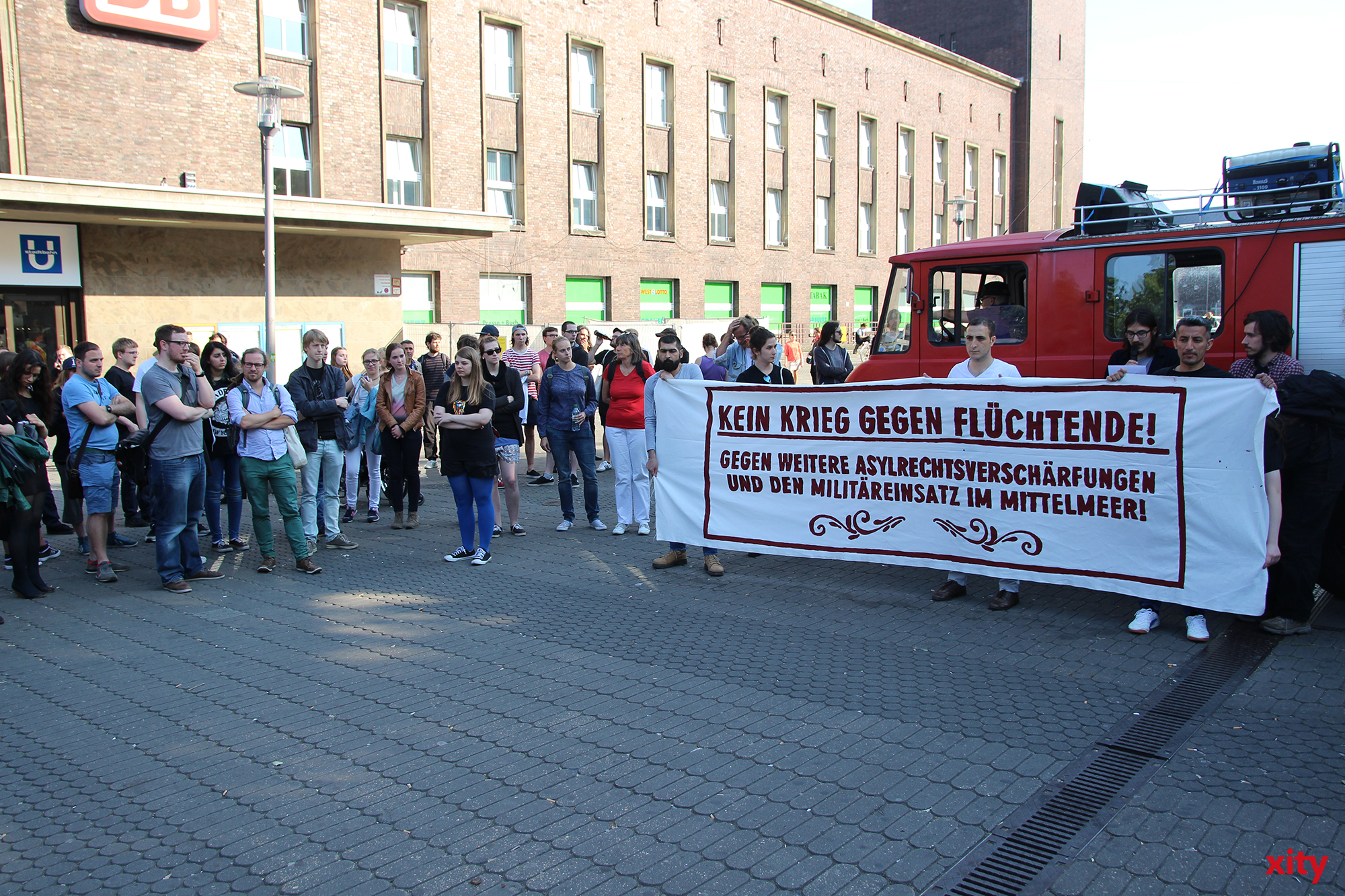 Demonstranten trafen sich am Mittwoch vor dem Hauptbahnhof (Foto: xity)