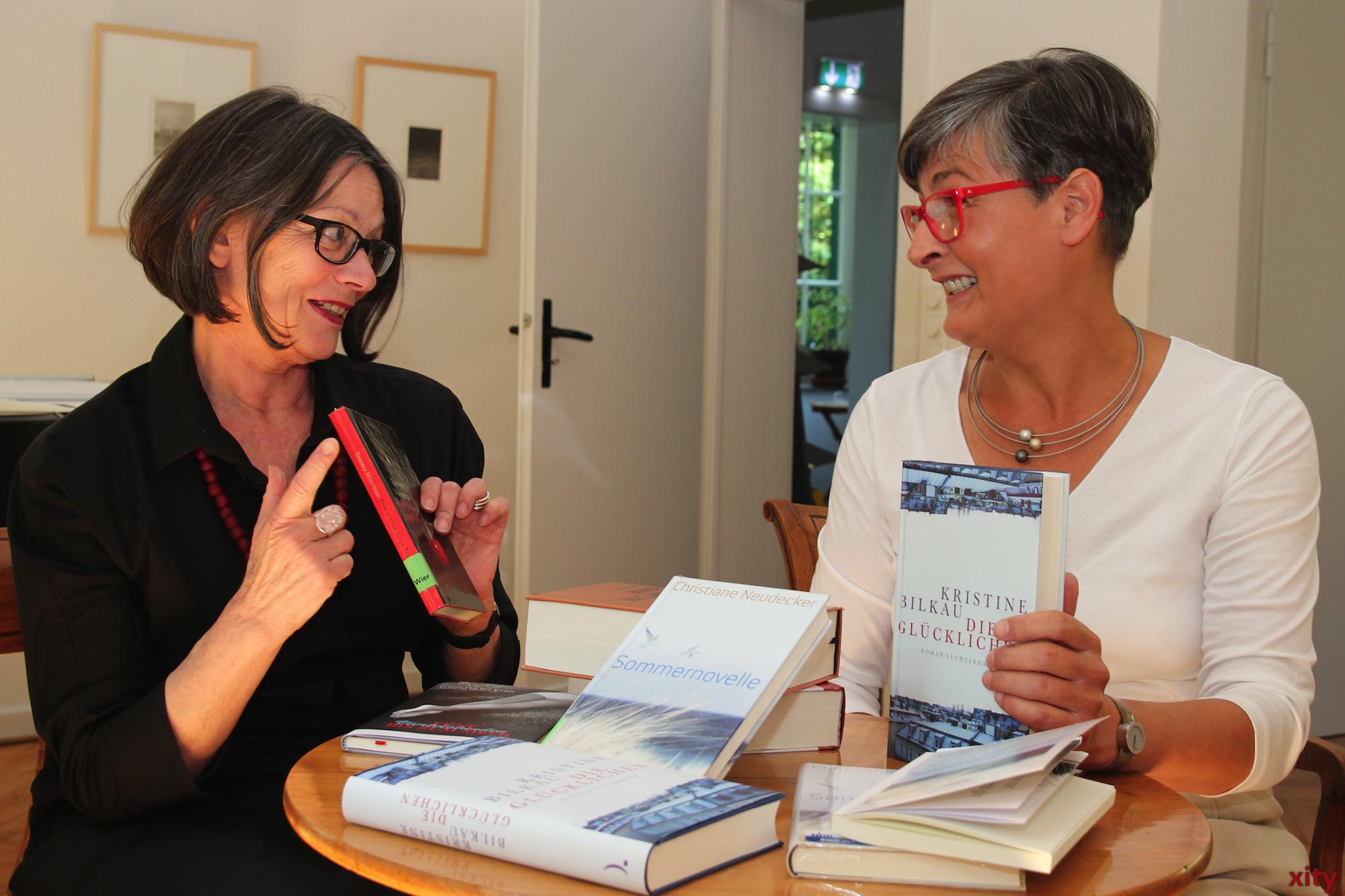 v.l Helga Krall von der Mediothek und Anette Ostrowski veranstalten das Literarischer Sommer. (Foto: xity)