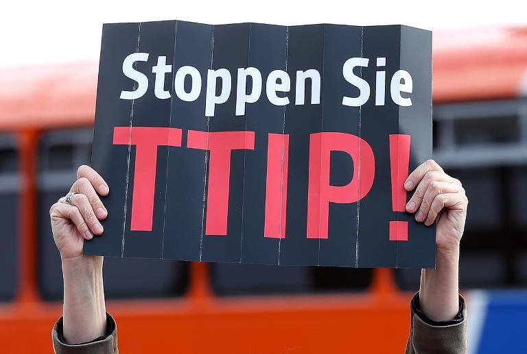 Bündnis plant Großdemonstration gegen TTIP-Abkommen (© 2015 AFP)