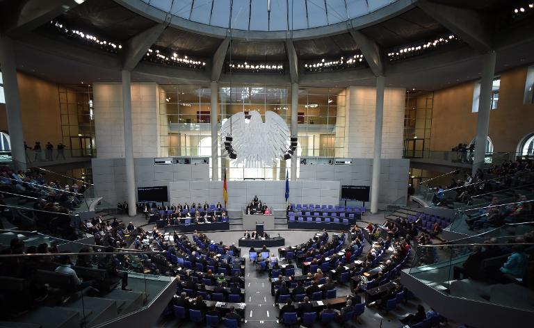 Bundestag berät über Vorratsdatenspeicherung (© 2015 AFP)