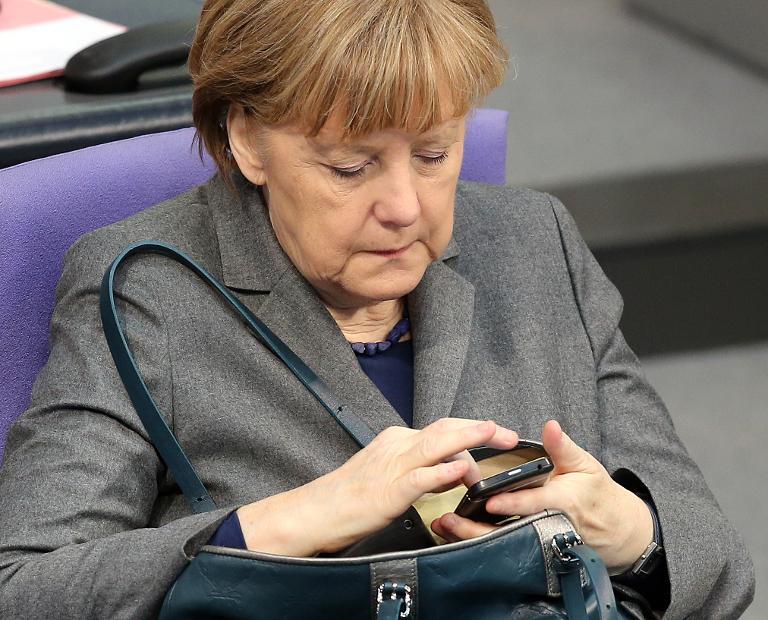Ermittlungen zu Abhören von Merkels Handy eingestellt (© 2015 AFP)