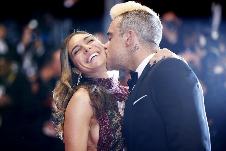 Robbie Williams findet Glück in seiner Familie (© 2015 AFP)