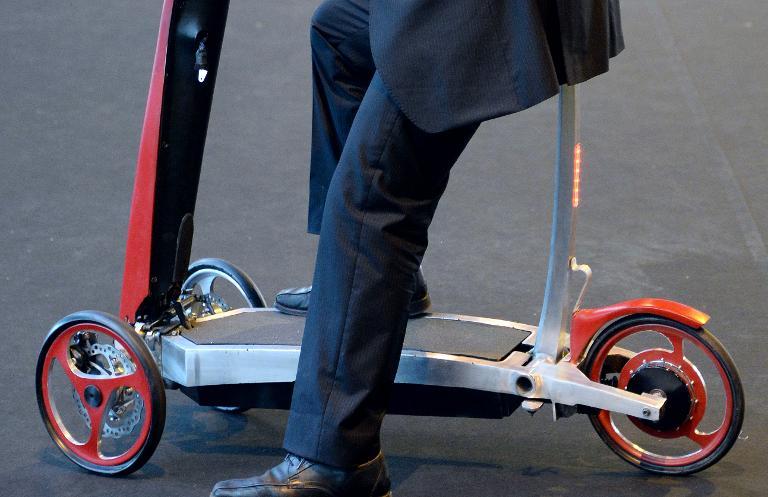 Linienbusse müssen keine E-Scooter mitnehmen (© 2015 AFP)