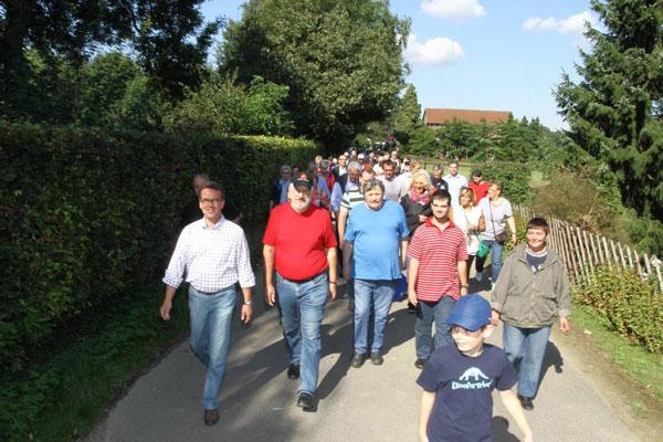 Wanderung mit OB Kathstede durch den Forstwald (Foto: Stadt Krefeld)