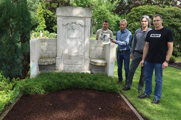 Grabstätte der Familie Biederbick konnte nun restauriert werden(Foto: xity)