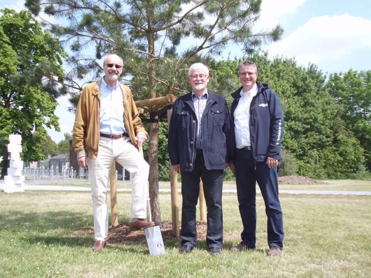 Dr. Wolf Jenkner (l.), Ratsherr Rolf Schulte (m.) und Peter von Rappard (r.) (Foto: xity)