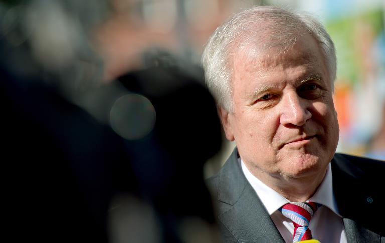 Seehofer kritisiert Gauck-Worte zur Flüchtlingspolitik (© 2015 AFP)
