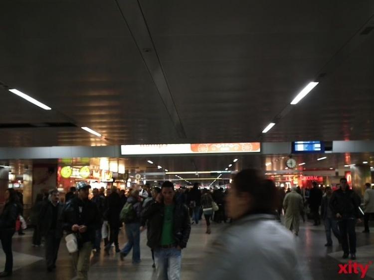 Im Jahr 2014 zählte die polizeiliche Kriminalstatistik bundesweit rund 157.069 Taschendiebstähle in Bahnhöfen und Zügen (Foto: xity)