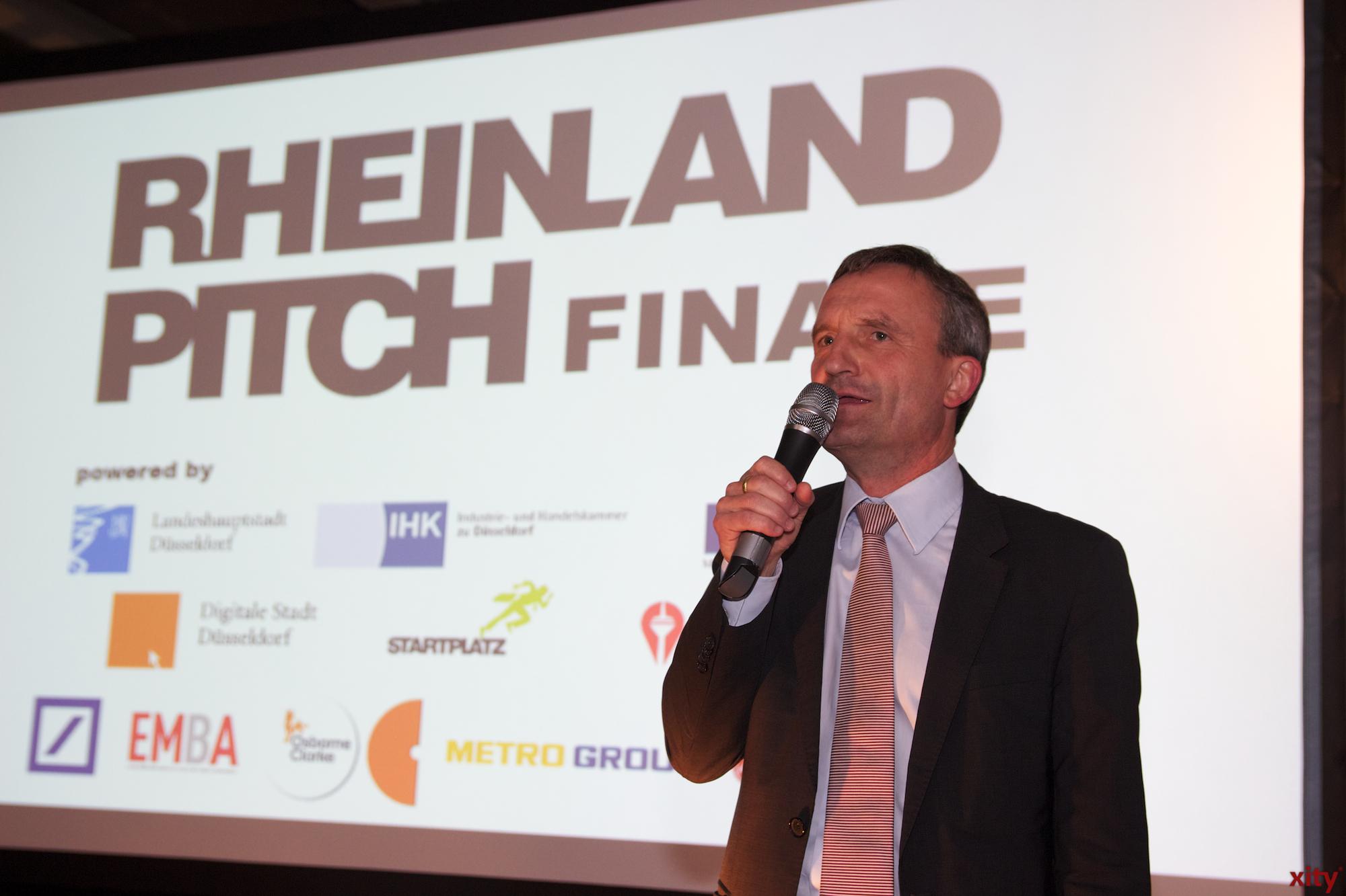 Oberbürgermeister Thomas Geisel eröffnete die Veranstaltung mit seiner Begrüßungsrede (Foto: xity)