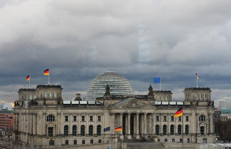 Bundestag muss UFO- und Guttenberg-Unterlagen rausrücken (© 2015 AFP)