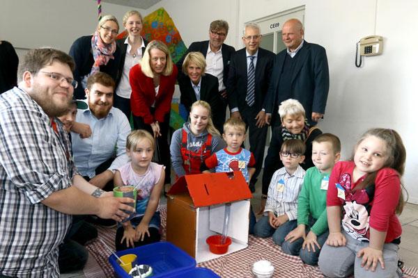 Kleine Forscher: Kinder experimentierten im Berufskolleg Vera Beckers (Foto: Stadt Krefeld)