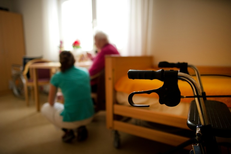 Pflege: Keine Fixierung ohne gerichtliche Einwilligung (© 2015 AFP)