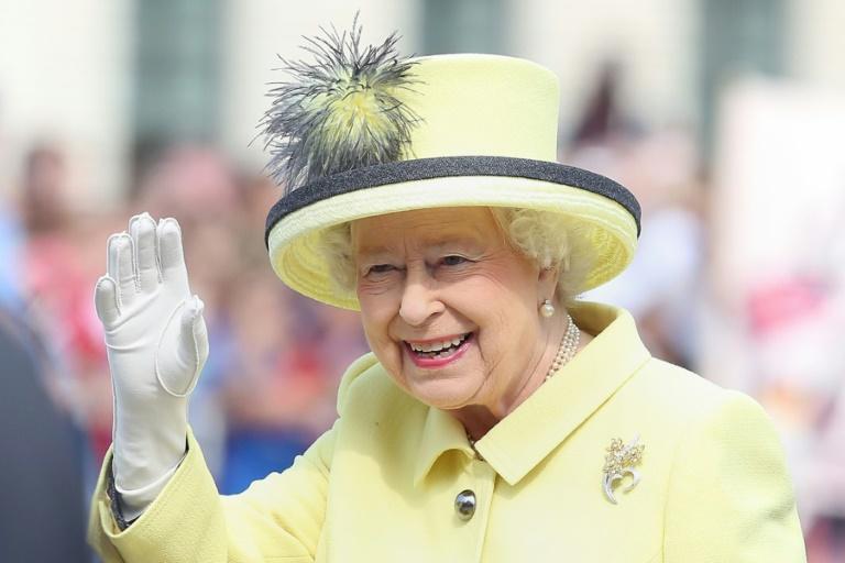 Steuerzahlerbund kritisiert Ausgaben für Queen-Besuch (© 2015 AFP)