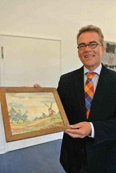 Oberbürgermeister erhielt Campendonk-Aquarell für Stadt Krefeld(Foto: Stadt Krefeld)