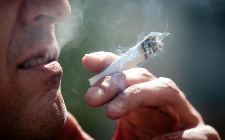 Drogenbeauftragte gegen Bremer Cannabis-Pläne (© 2015 AFP)