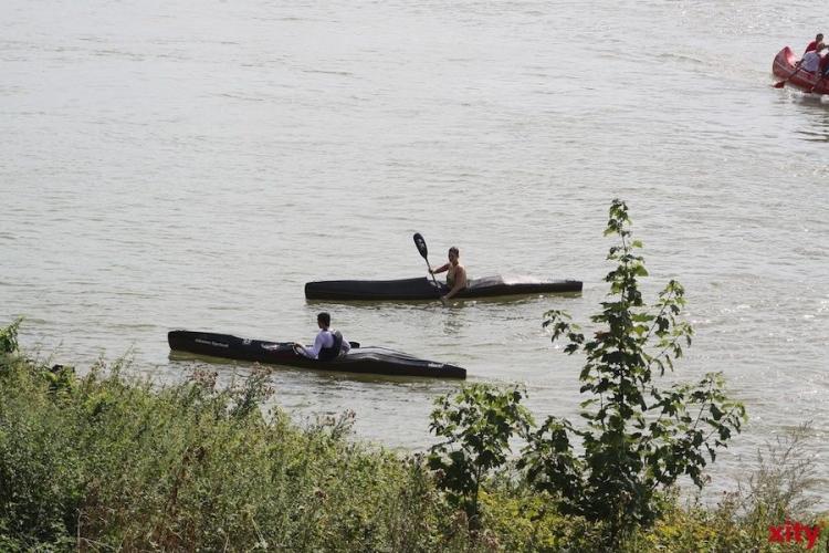 Auch im August wird der Elfrather See von den vielen Vereinen an seinem Ufer genutzt (Foto: xity)
