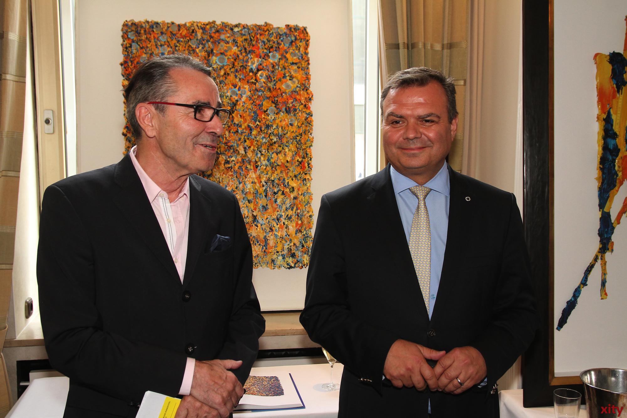 Hardy Herzmann, Organisator der Ausstellung und Steigenberger-Direktor Carsten Fritz (Foto: xity)