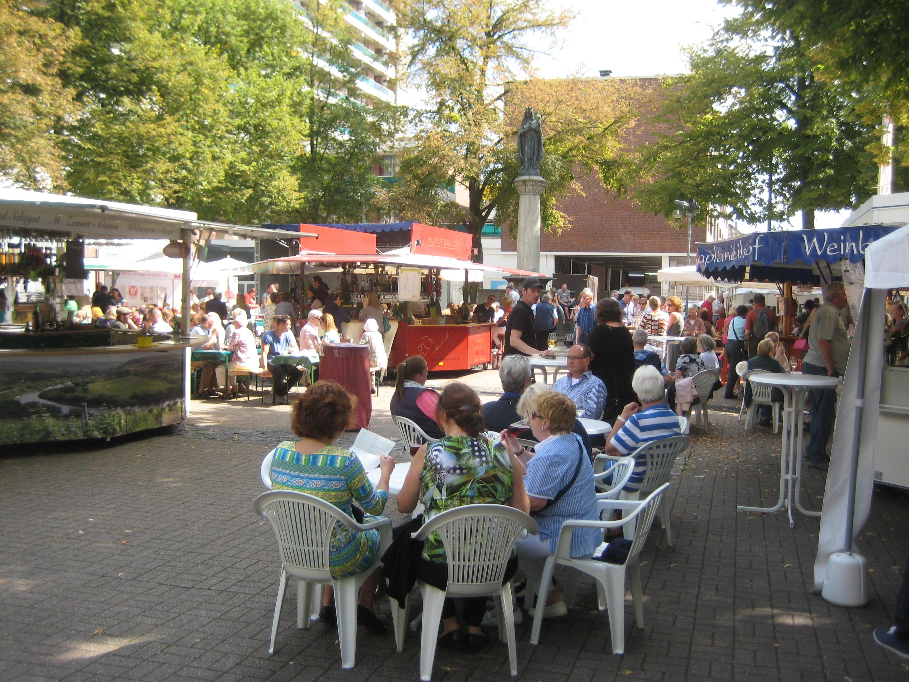 Vom 7. AUgust bis zum 9. August findet das 11. Krefelder Weinfest statt. (Foto: Gabriele Leigraf )