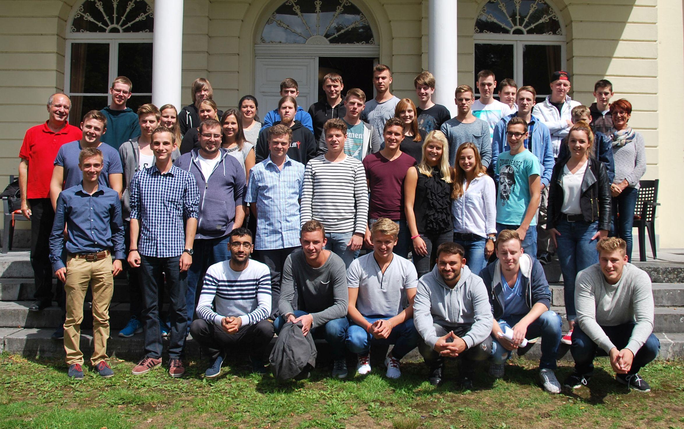Neue Auszubildende bei der Einführungsschulung der Unternehmerschaft Niederrhein. (Foto: Unternehmerschaft Niederrhein)