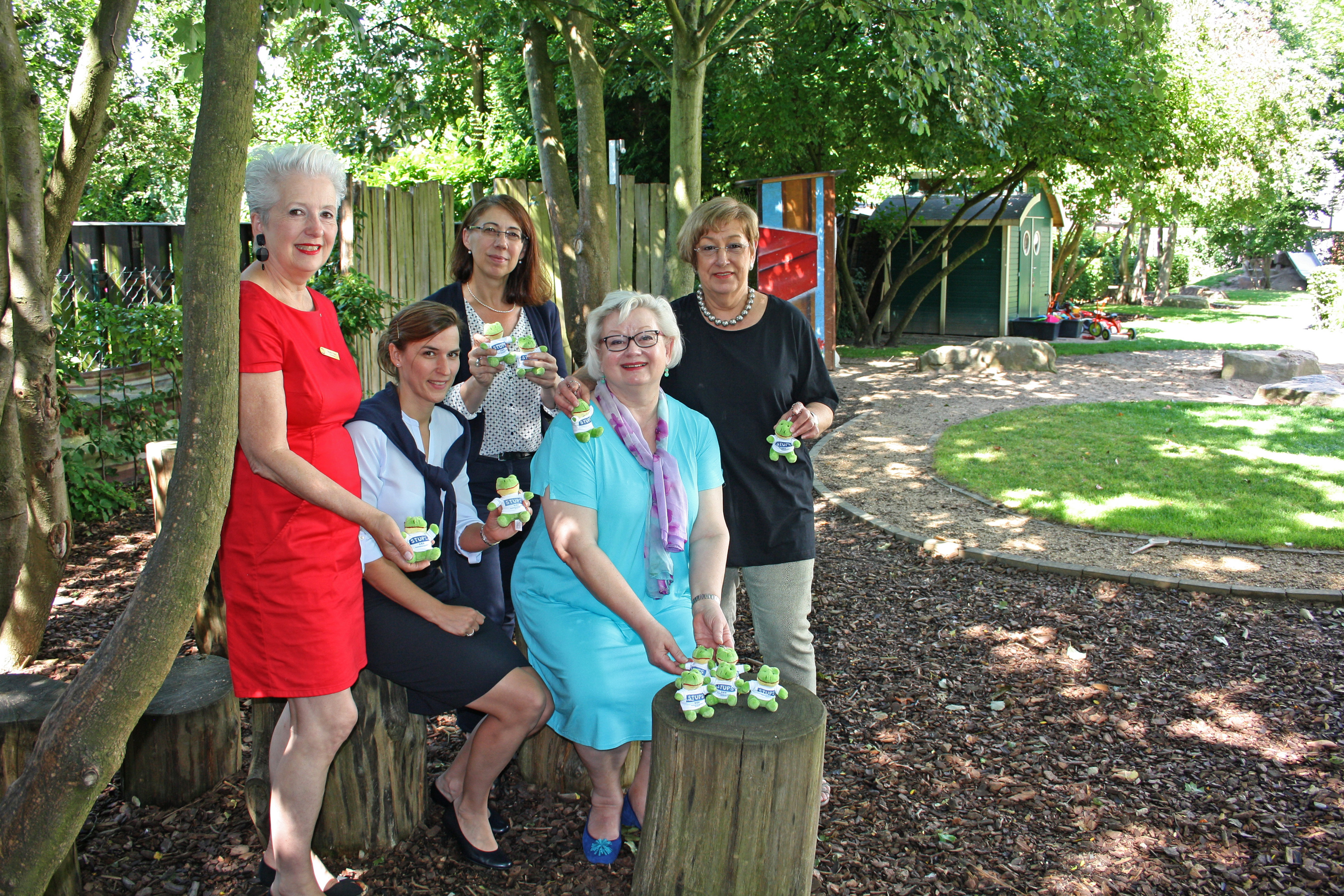 v.l.: Birgitta Trapp, Diane Kamps, Karin Meincke, Club-Kollegin Angelika Linnemann-Dienstbier. (Foto: DRK-Schwesternschaft Krefeld e.V.)