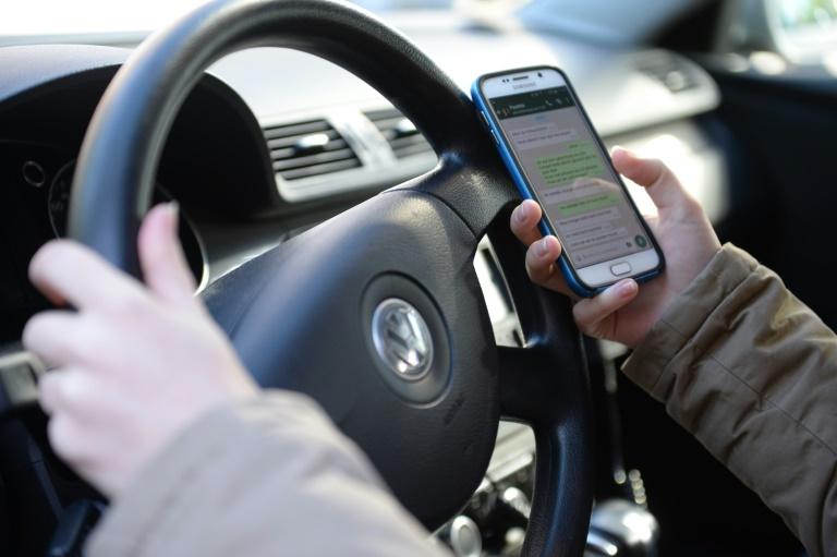 Bewährung für tödlichen Unfall beim Versenden von SMS (© 2015 AFP)