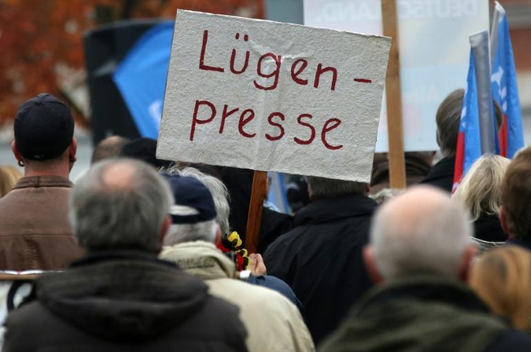 DJV beklagt Gewalt gegenüber Journalisten in Deutschland (© 2015 AFP)