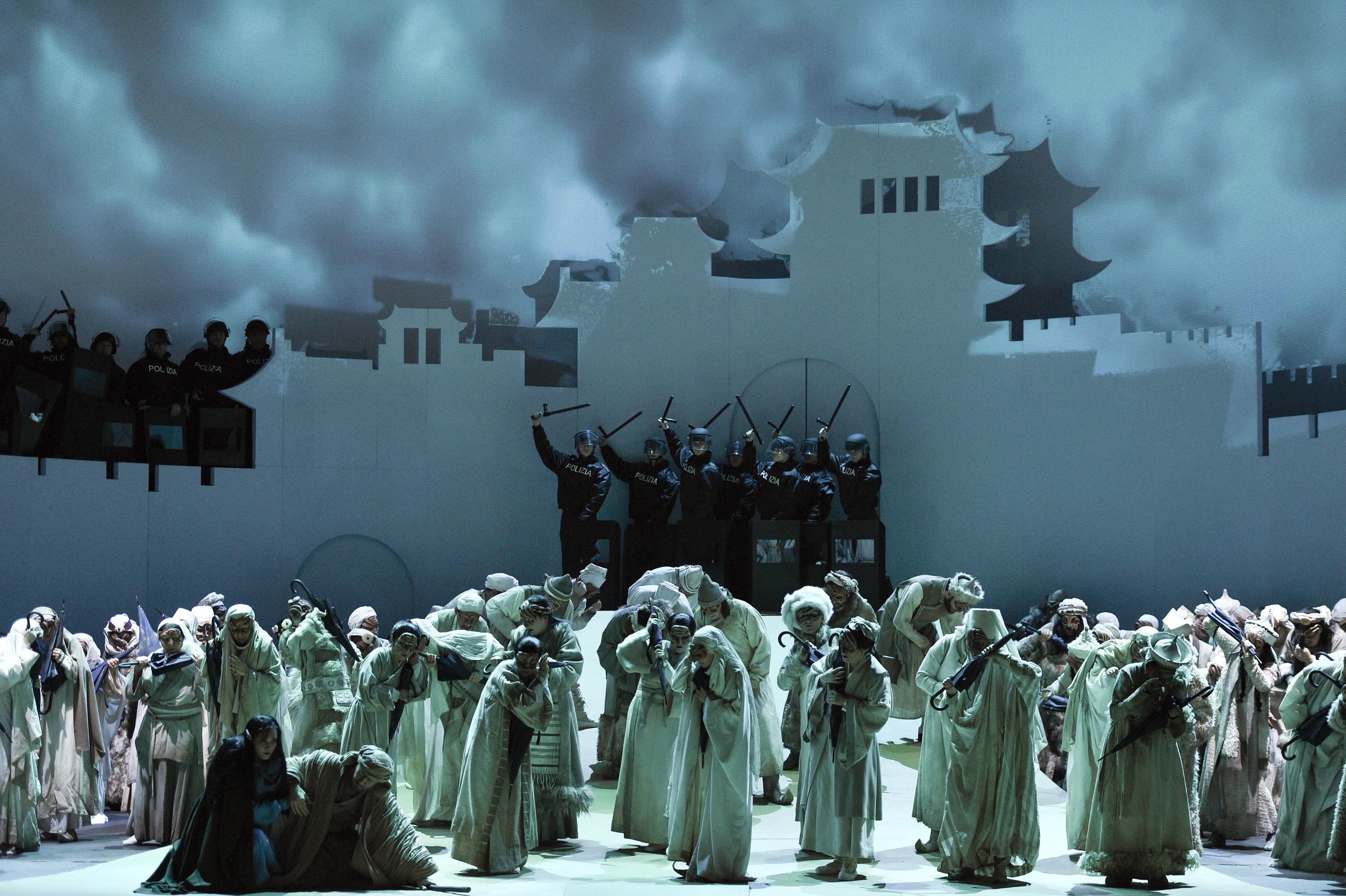 "Blick aus Fernost auf Puccinis ""Turandot"" (Foto: Hans Jörg Michel)"